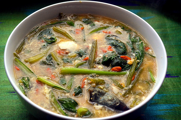 Chinese Spinach Soup with Century Eggs